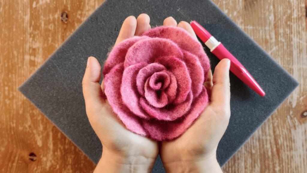 lekcja 4 jak filcować na sucho różę